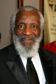 LAS VEGAS - JANUARY 22: Comedian Dick Gregory arrives at the 15th annual Trumpet Awards at the Bellagio January 22, 2007 in Las Vegas, Nevada. The awards show is a celebration of African-American achievement. (Photo by Ethan Miller/Getty Images)