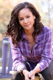 the-vampire-diaries-persia-white-403x600